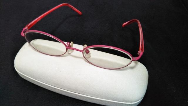 メガネやコンタクトを忘れたら?取りに戻るか後日に検査