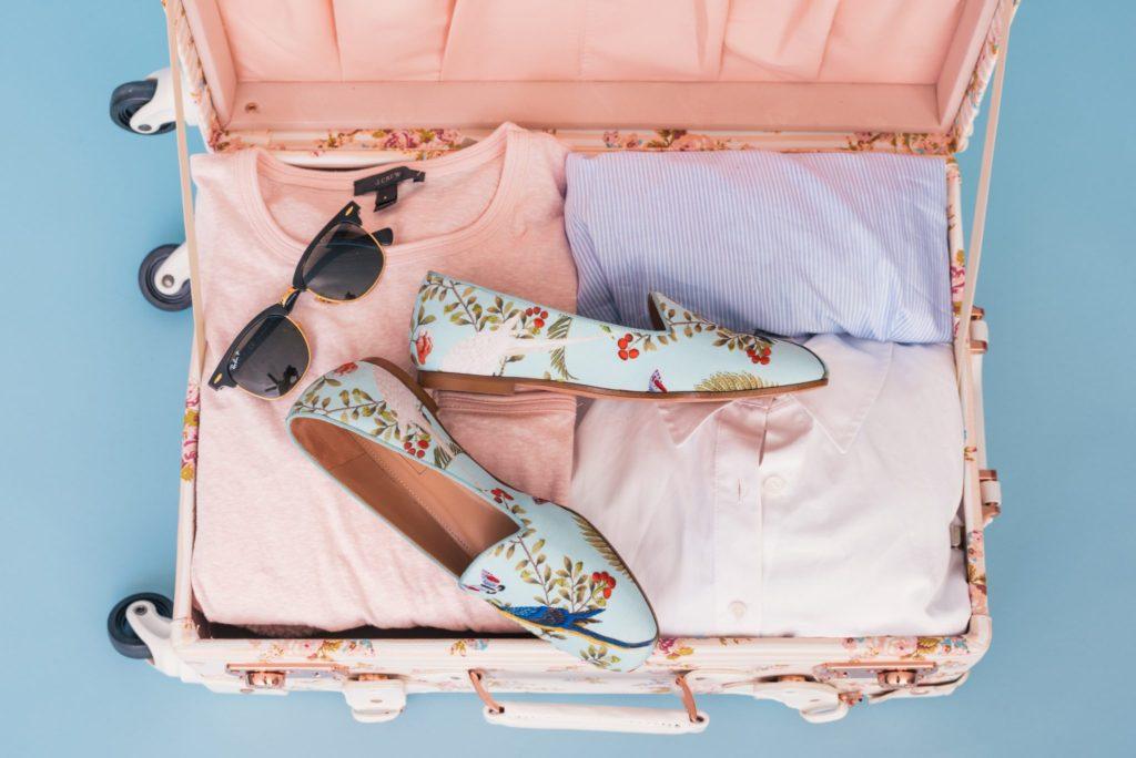 スーツケースを使う必要あるの?移動時は楽をしよう